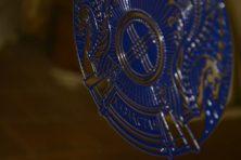 Полированная табличка латунь